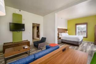 room of Holiday Inn Express Phoenix-Airport/University Drive
