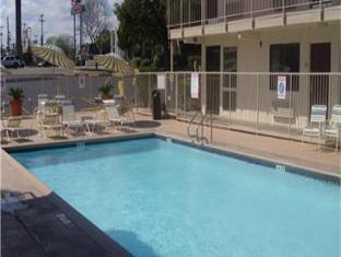 Motel 6-San Antonio TX - Near