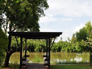 Naraya Riverside Resort Suratthani - Surroundings