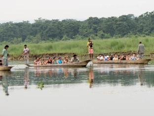 Chitwan Safari Camp & Lodge Chitwan National Park - Canoe Ride inside National Park