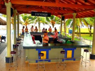 Camelot Beach Hotel Negombo - Pool Side Bar