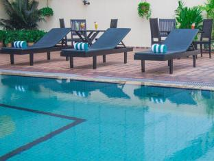 Grand Continental Kuching Hotel Kuching - Swimming Pool