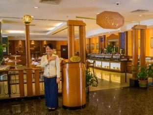 Grand Continental Kuching Hotel Kuching - Kohvik