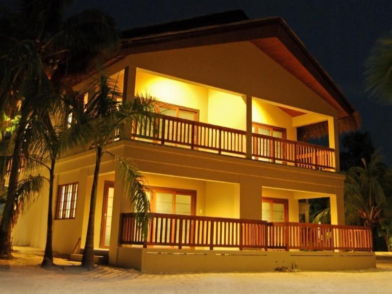 ドス パルマ アレセフィ アイランド リゾート (Dos Palmas Island Resort and Spa)