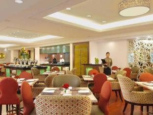 Philippines Hotel Accommodation Cheap | Richmonde Hotel Ortigas Manila - Restaurant
