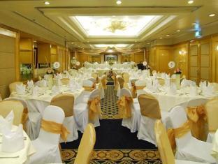 Philippines Hotel Accommodation Cheap   Richmonde Hotel Ortigas Manila - Ballroom