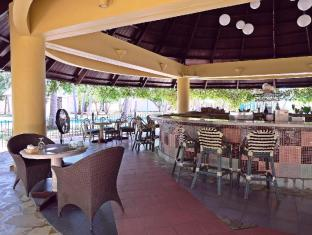 Cordova Reef Village Resort Mactan Island - Restaurang