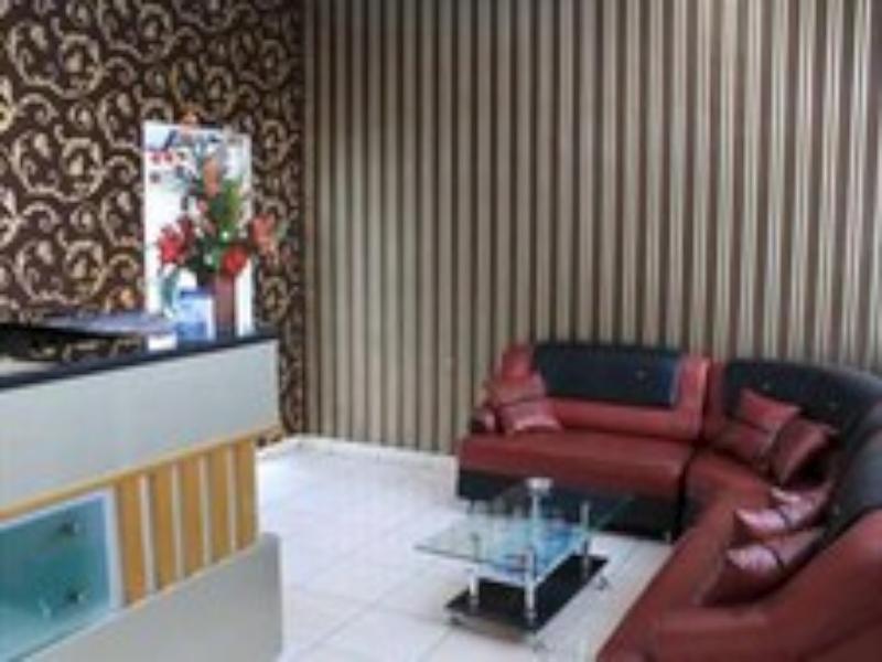 Platinum Hotel picture