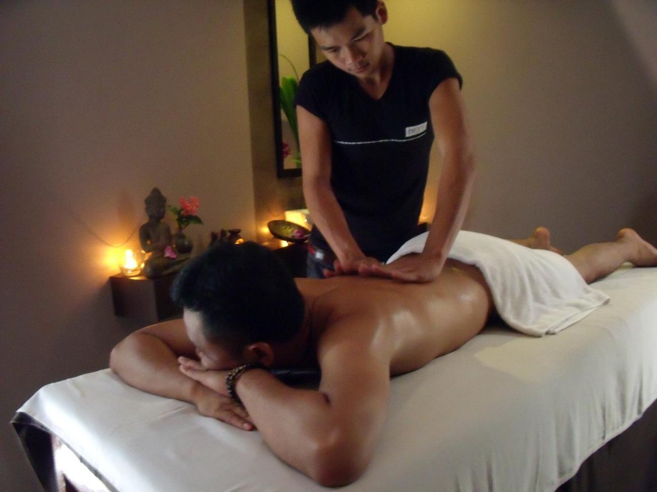 bøsse massasje kolbotn real asian massage happy ending