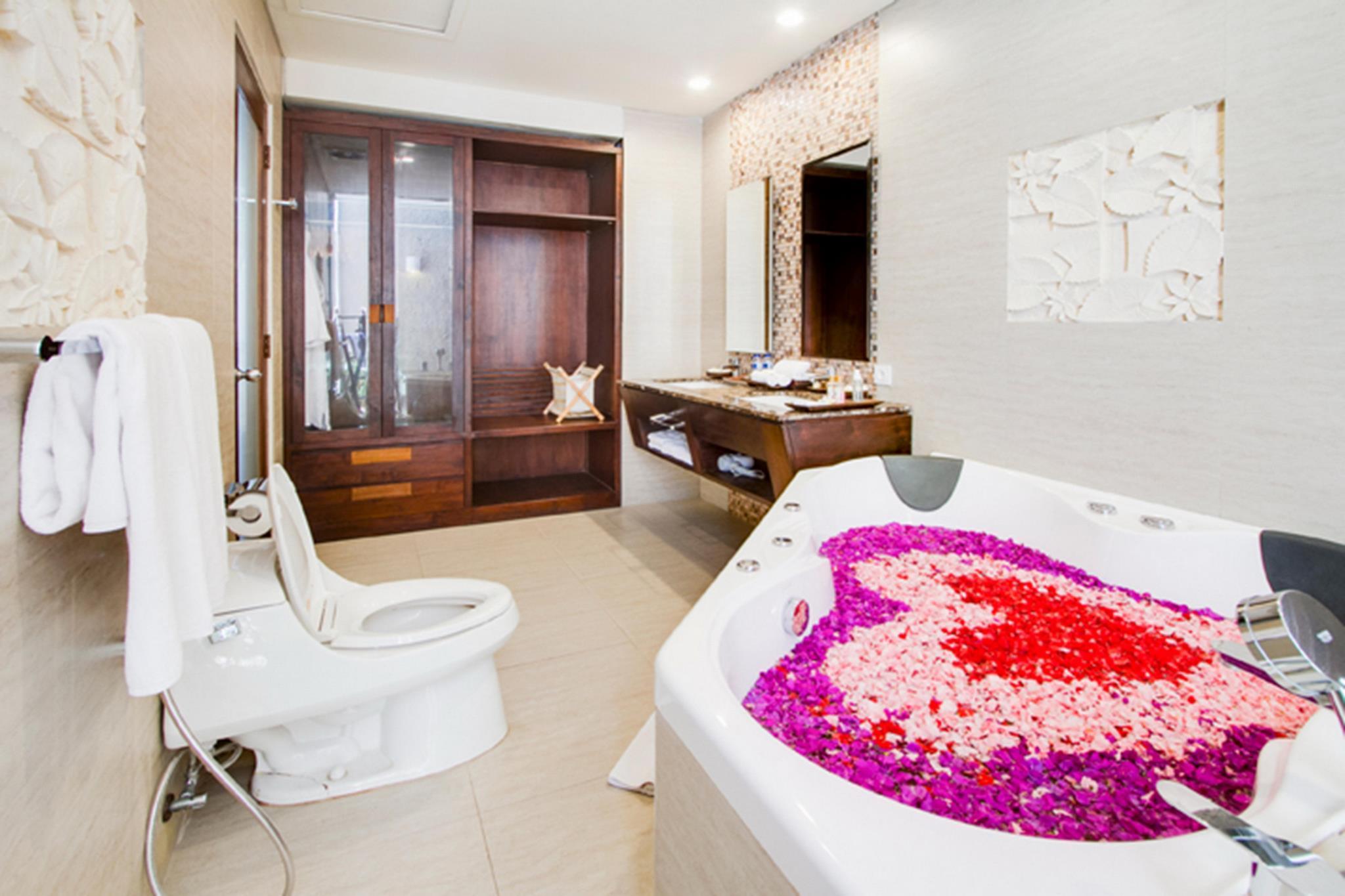 ULA Villas Bali 1 BDR Private Villas with Jacuzzi