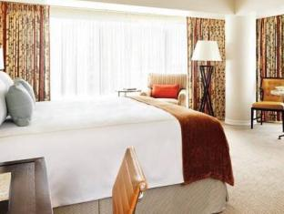 Four Seasons Hotel Vancouver - Hotellihuone