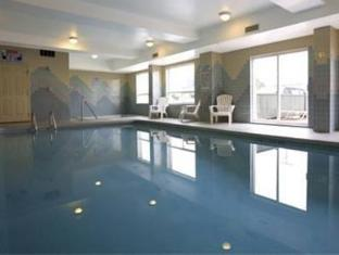 Sandman Hotel Vancouver Airport Richmond Bc Swimming Pool
