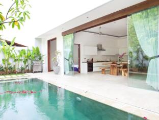 Anemalou Villas and Spa Seminyak Bali - Swimming pool