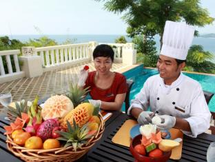 Aquamarine Resort and Villa Phuket - Fruit Carving