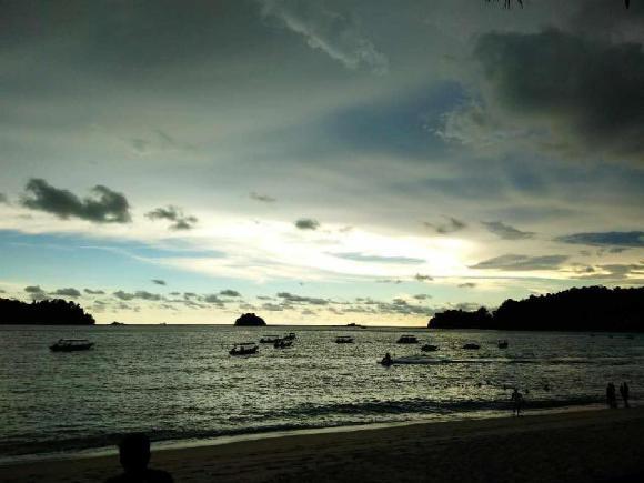 Walking Distance To The Beach , Pangkor
