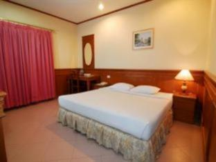 Royal Regal Hotel Surabaya - Guest Room