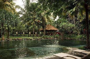 Segara Village Hotel