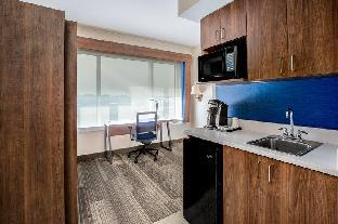 Get Coupons Holiday Inn Express Hotel & Suites Ontario