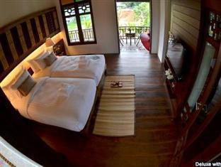 The Balcony Chiang Mai Village guestroom junior suite