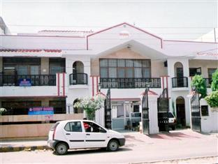 Hotel New Bakshi House Агра