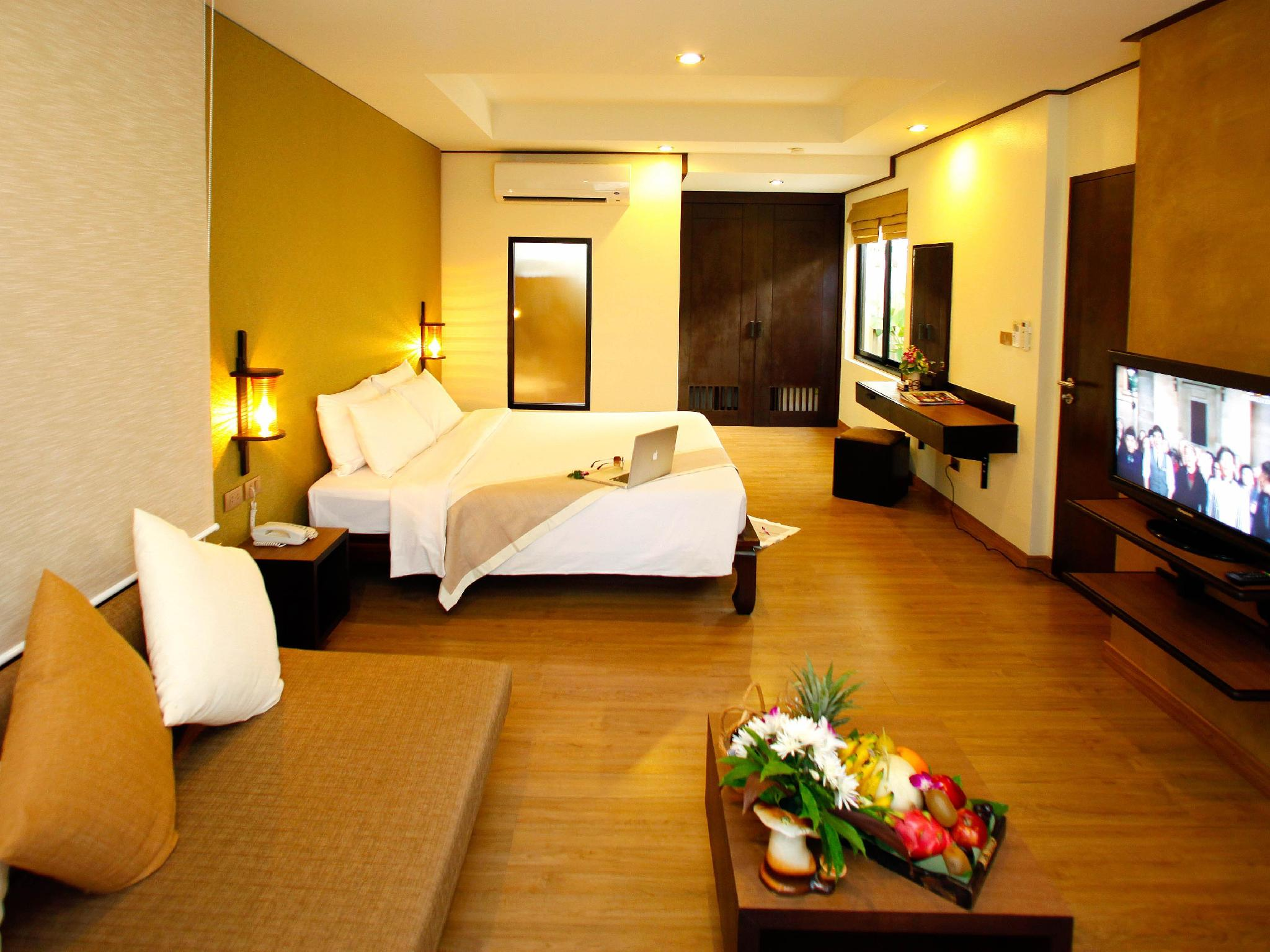 โรงแรมภูเก็ต ไอส์แลนด์ วิว