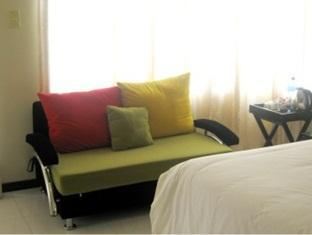 hotels.com Global Village Guest House