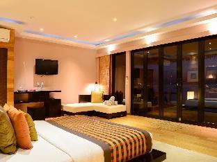 Adaaran Prestige Vadoo Resort guestroom junior suite