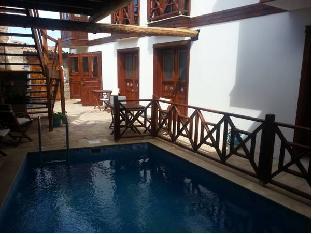 Amazon Petite Palace