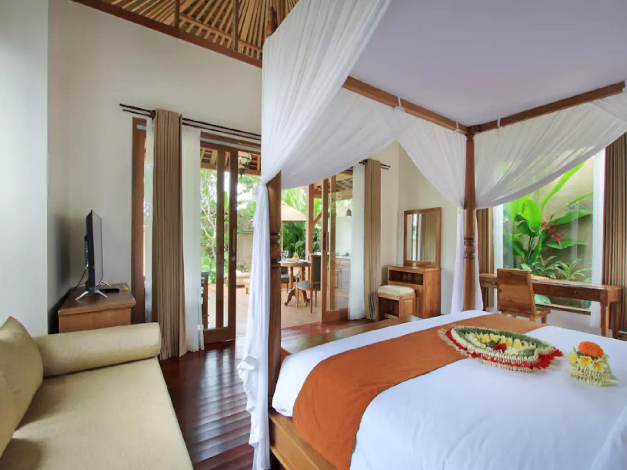 Luxurious Private Pool Villa Ubud Center