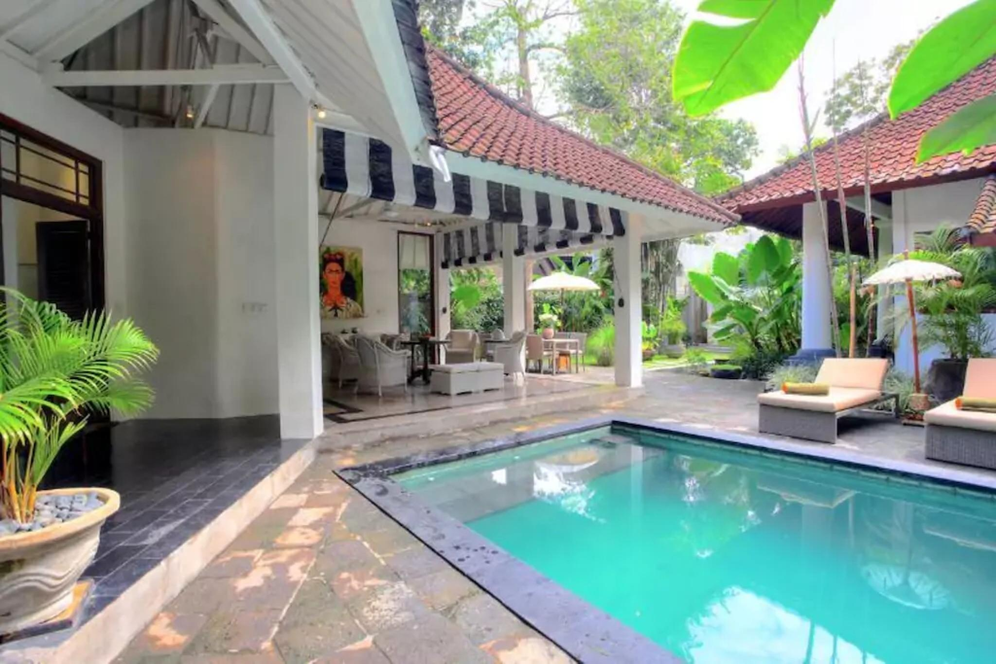Very Spacious Modern Private 4 Bed Villa