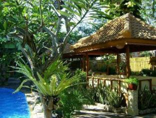 Green Garden Beach Resort & Spa Bali - Garden