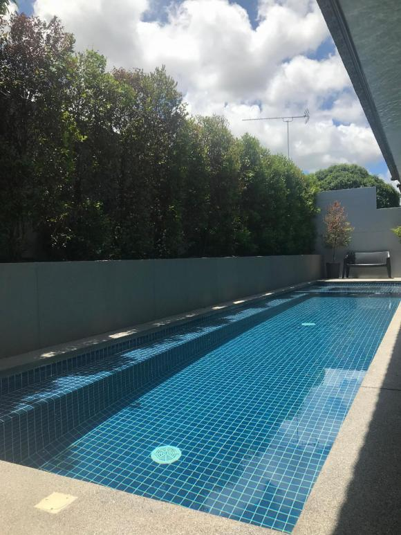Luxury  swimming pool  villa  in Pattaya