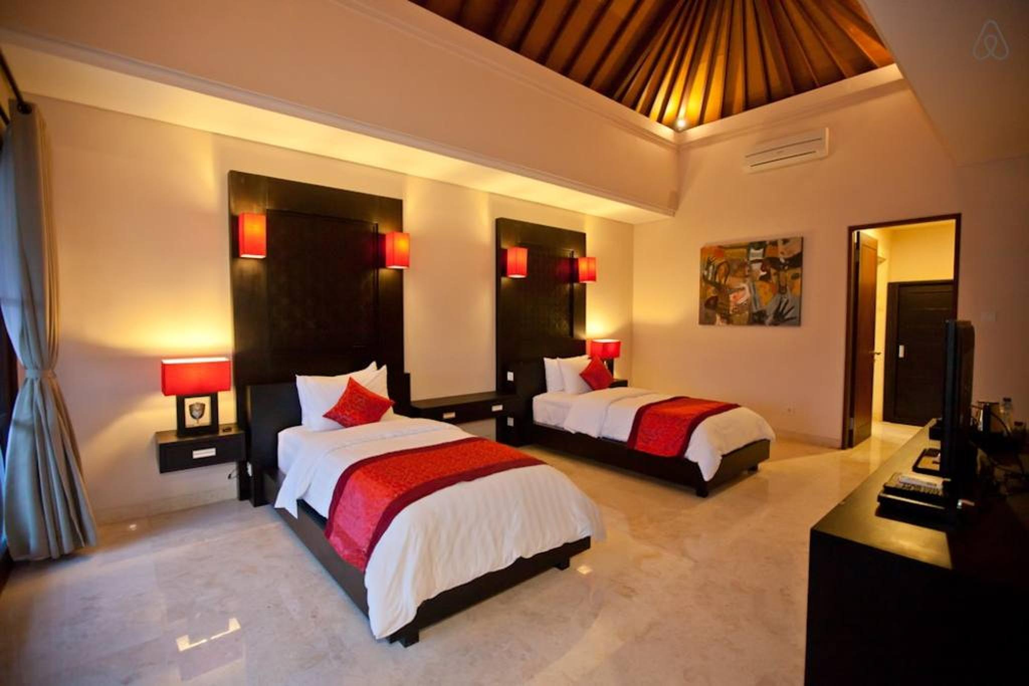 Huge Deluxe rooms at Seminyak PROMO