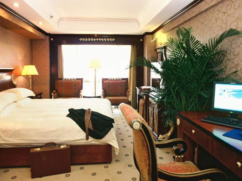 サルボ ホテル