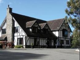 Fox and Hounds Inn