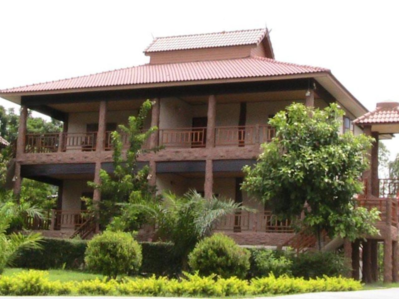 ธัญธารา รีสอร์ท (Tantara Resort)