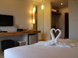 Villa Gris guestroom junior suite