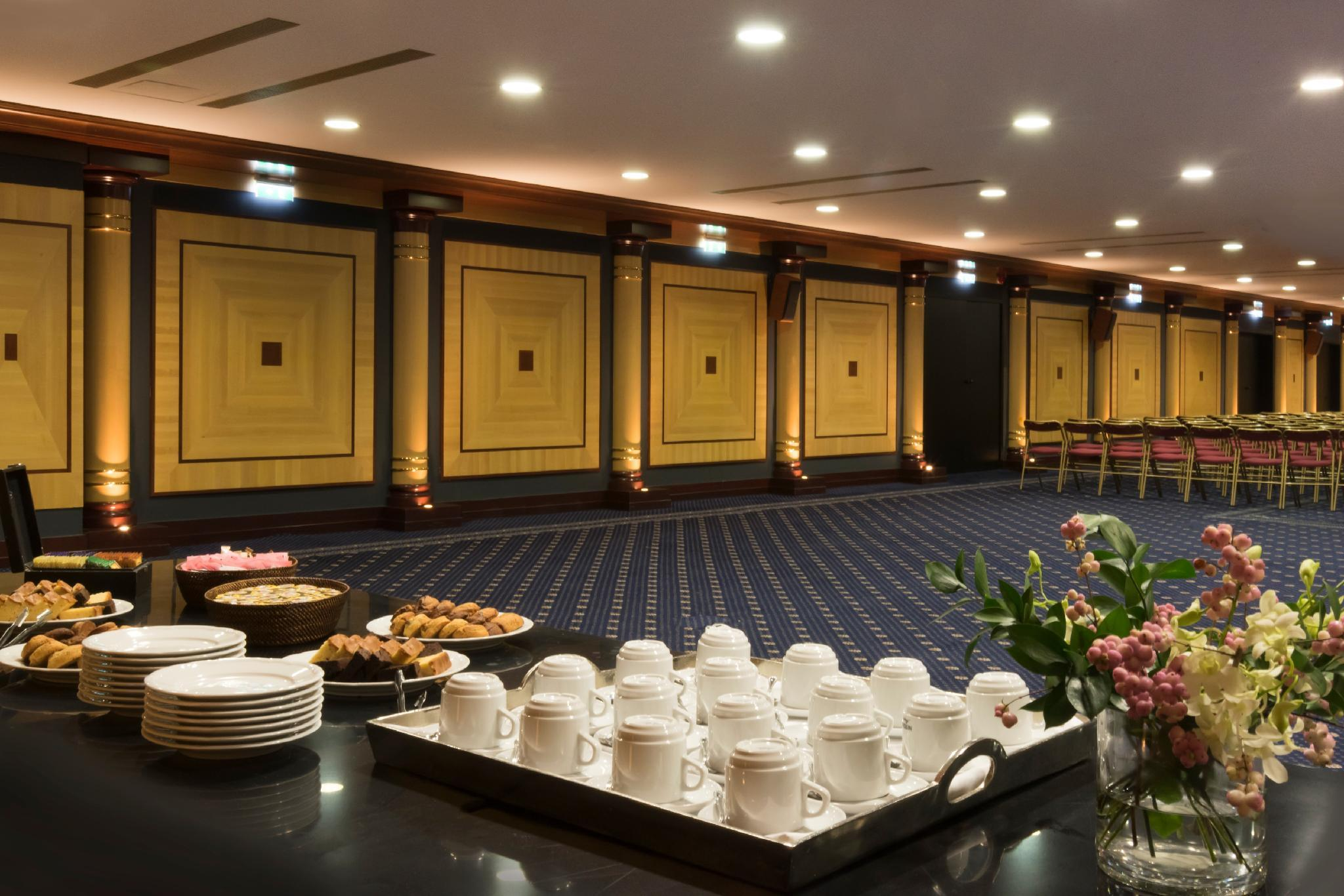President Hotel – Athens 5