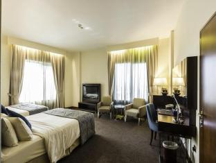 Howard Johnson Hotel - Howard Johnson Hotel Dubai - Deluxe Double or Twin Room