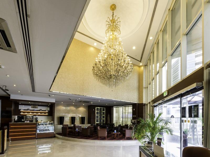 Howard Johnson Hotel - Lobby