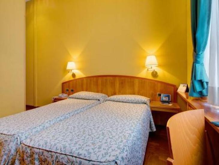 Corot Hotel photo 2