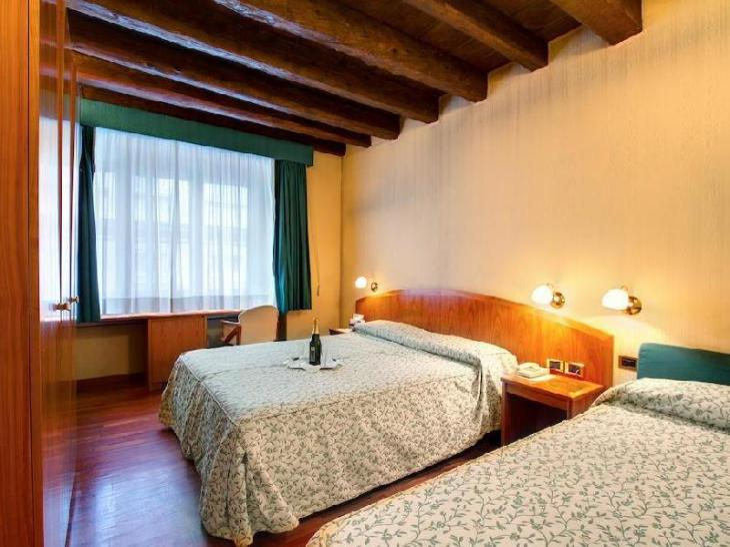 Corot Hotel photo 1