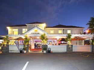 Tuakau Hotel