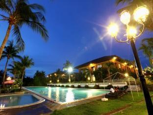 Fort Ilocandia Resort Hotel Laoag - Piscină