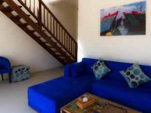 The Palms Ceningan Hotel Bali - Superior Lounge Area