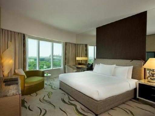 ➦  Hilton Worldwide    (Abu Dhabi) customer rating