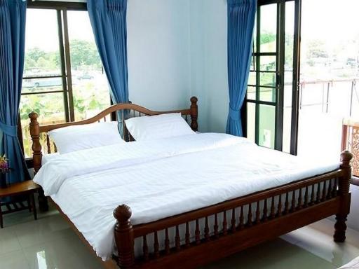 ➦     (Phra Nakhon Si Ayutthaya) customer rating