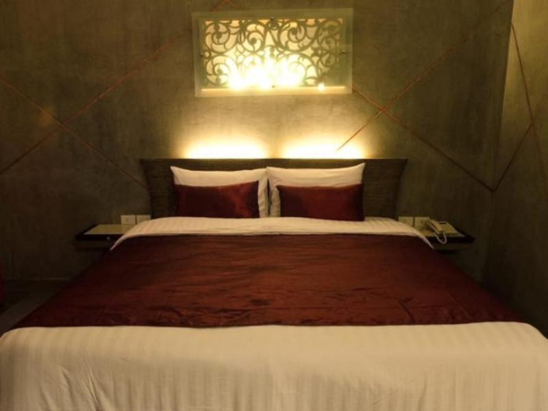 Loft Living Hotel Khonkaen,โรงแรมลอฟท์ ลิฟวิง ขอนแก่น