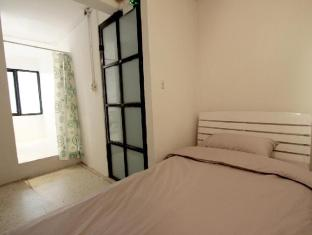 Bangkok Hub Hostel Bangkok - Studio with private bathroom