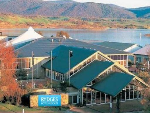 Best guest rating in Snowy Mountains ➦ Lake Jindabyne Hotel takes PayPal